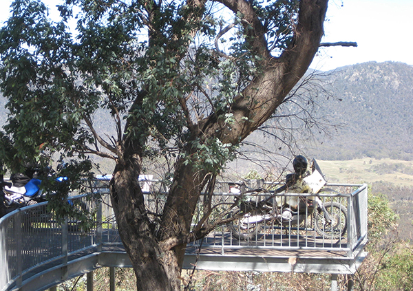 The bikes on an overhanging lookout